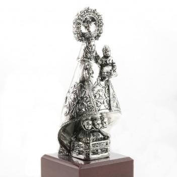 Figura de la Virgen de Covadonga en plata