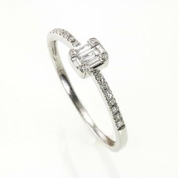 Anillo en oro blanco diamantes baguettes